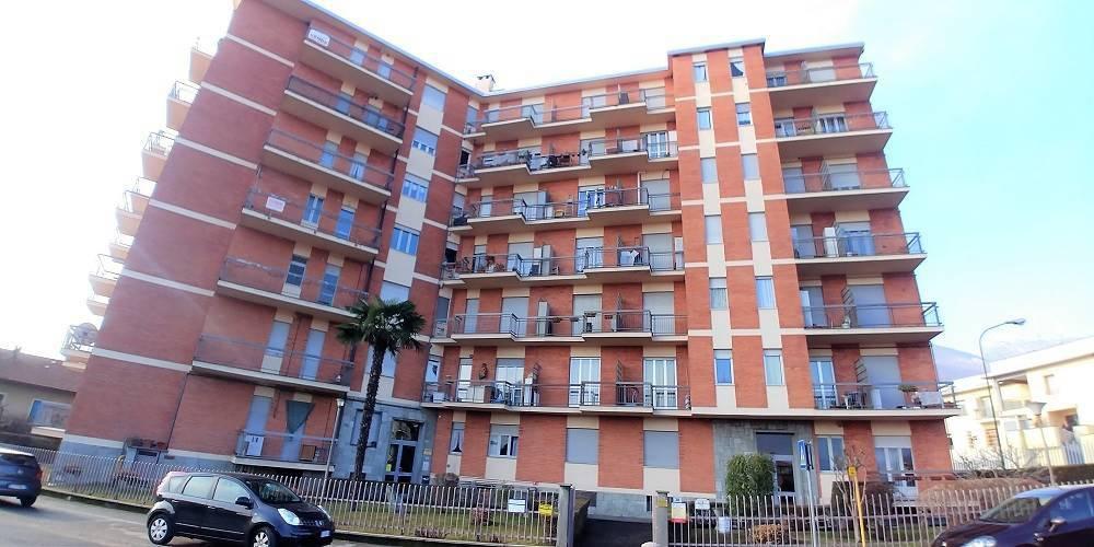 Appartamento in buone condizioni in vendita Rif. 8478806