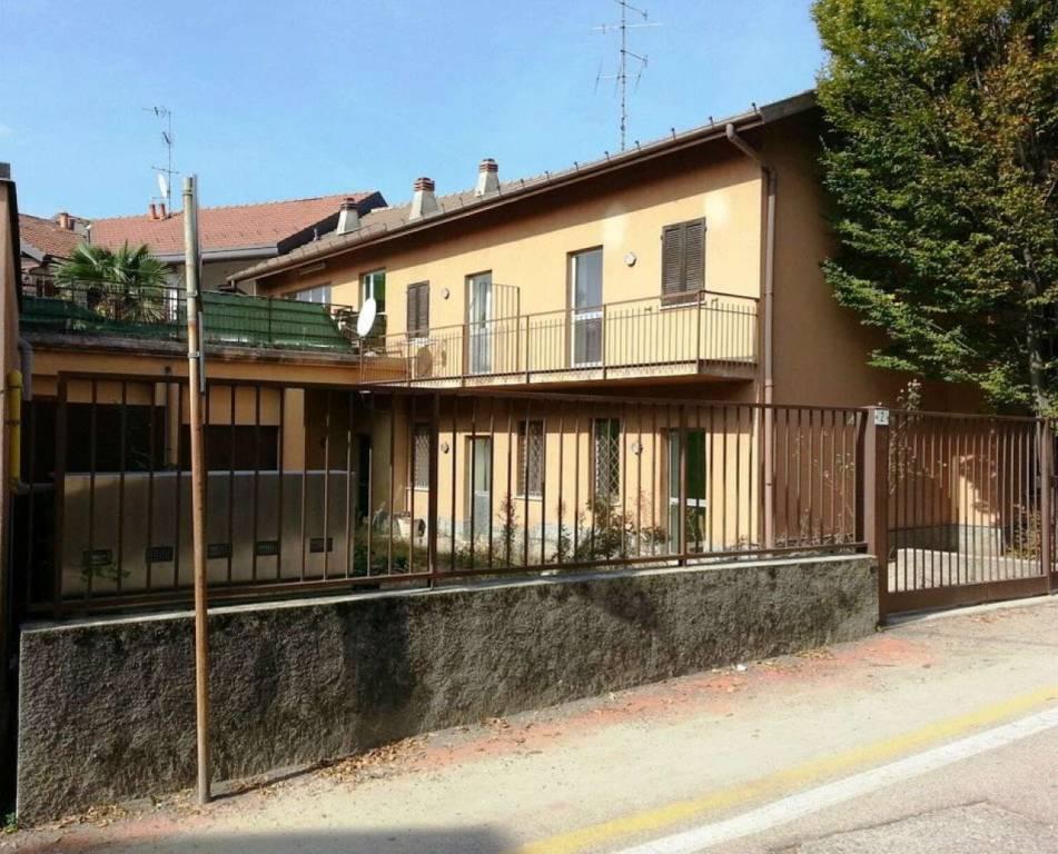 Soluzione Indipendente in vendita a Jerago con Orago, 15 locali, prezzo € 245.000   CambioCasa.it