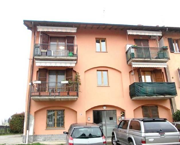 Appartamento in buone condizioni in vendita Rif. 8478191