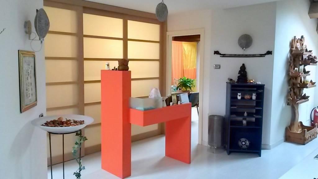 Appartamento in ottime condizioni parzialmente arredato in vendita Rif. 8735721