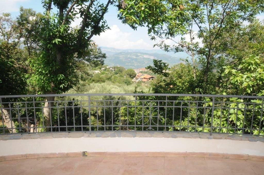 Villa in vendita a Roccadaspide, 5 locali, prezzo € 340.000   CambioCasa.it