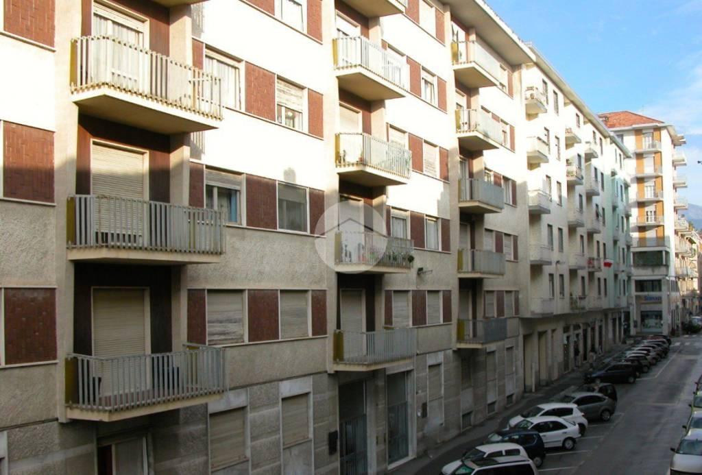 Appartamento in ottime condizioni parzialmente arredato in affitto Rif. 9307387