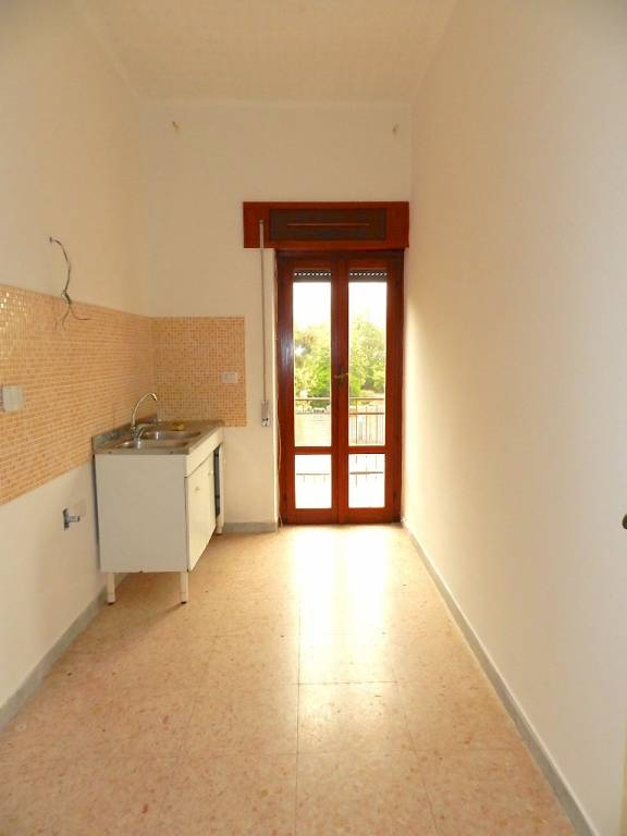 Appartamento in buone condizioni in affitto Rif. 8489828