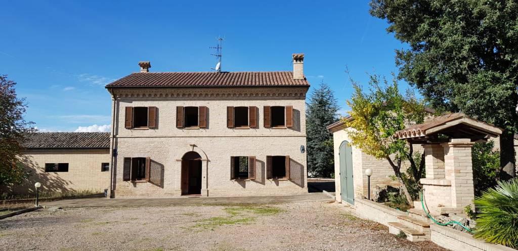 Rustico / Casale in ottime condizioni in vendita Rif. 8323423