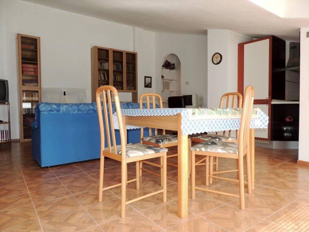 Attico / Mansarda in ottime condizioni parzialmente arredato in vendita Rif. 8489440