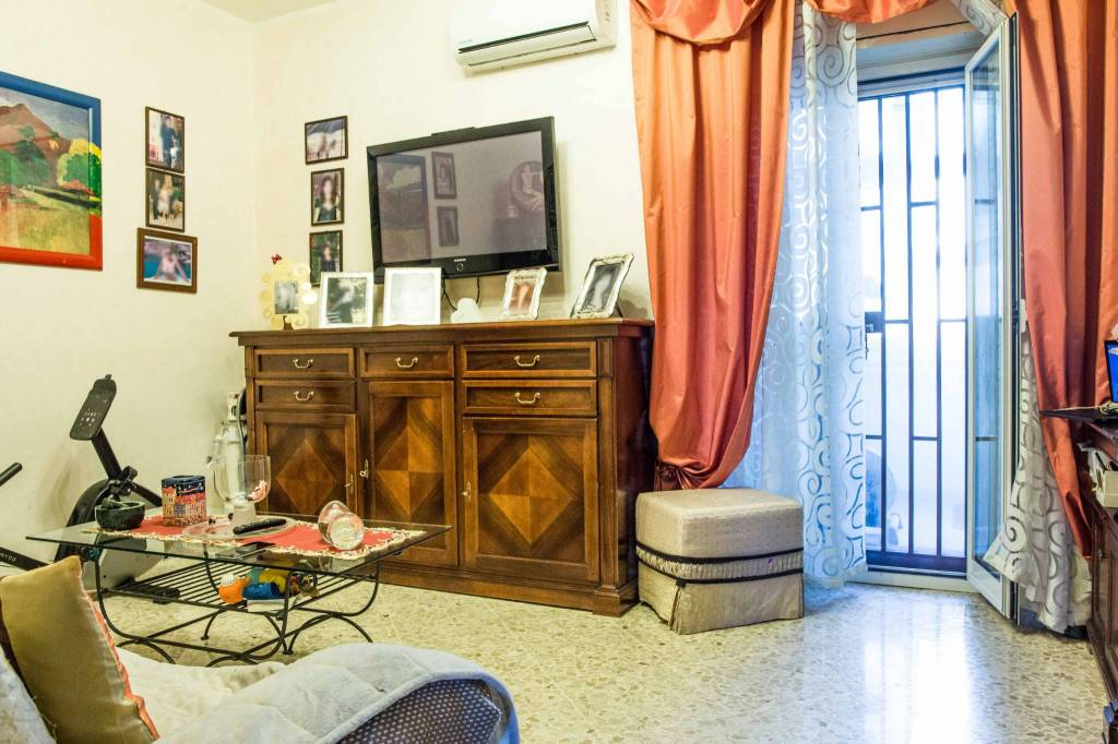 Appartamento in buone condizioni in vendita Rif. 8491780