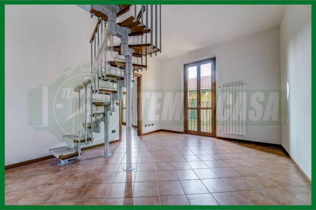 Appartamento in ottime condizioni in vendita Rif. 8914671