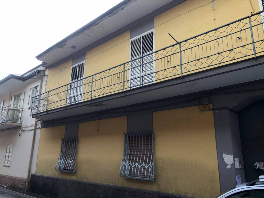 Appartamento da ristrutturare in vendita Rif. 8505914