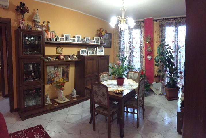 Appartamento in buone condizioni in vendita Rif. 7362092