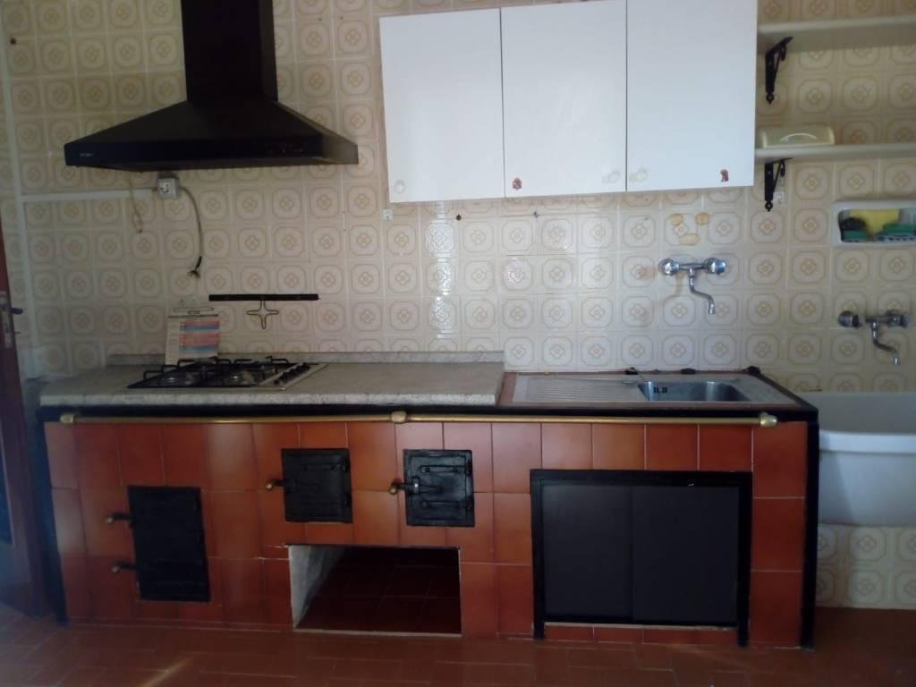 Appartamento in buone condizioni arredato in affitto Rif. 6727285