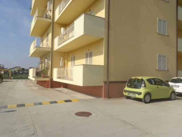 Appartamento in ottime condizioni in vendita Rif. 8489634