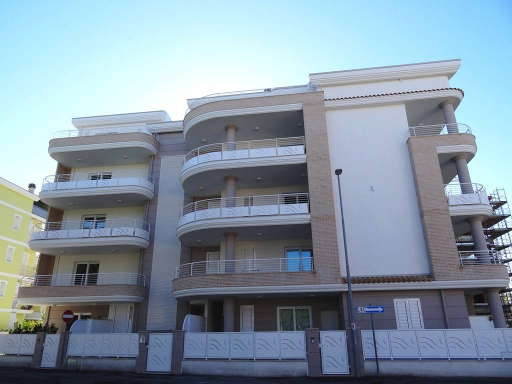 Appartamento in vendita Rif. 8489832