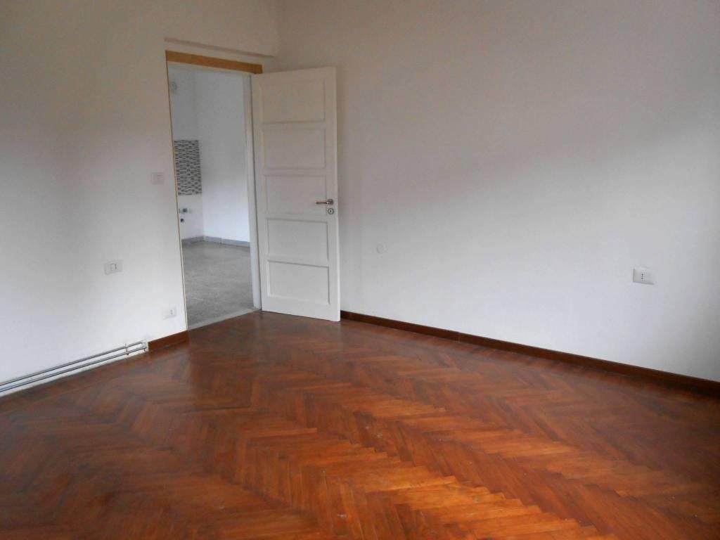 Appartamento in buone condizioni in affitto Rif. 8489983