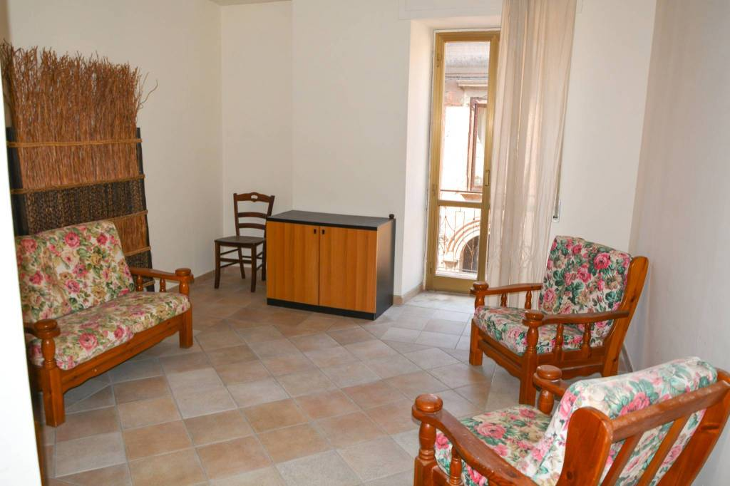 Appartamento da ristrutturare in vendita Rif. 8494750