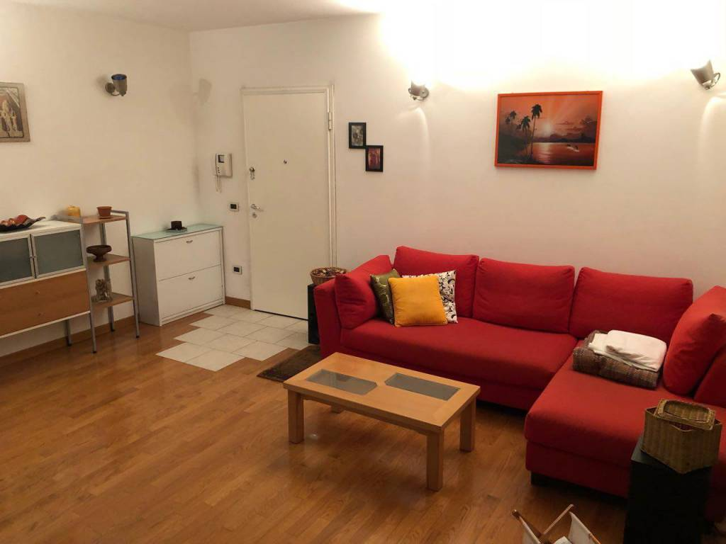 Appartamento in ottime condizioni arredato in vendita Rif. 8491425