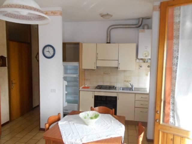 Appartamento in buone condizioni arredato in vendita Rif. 7748565