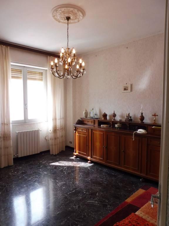 Appartamento in buone condizioni in vendita Rif. 9164594