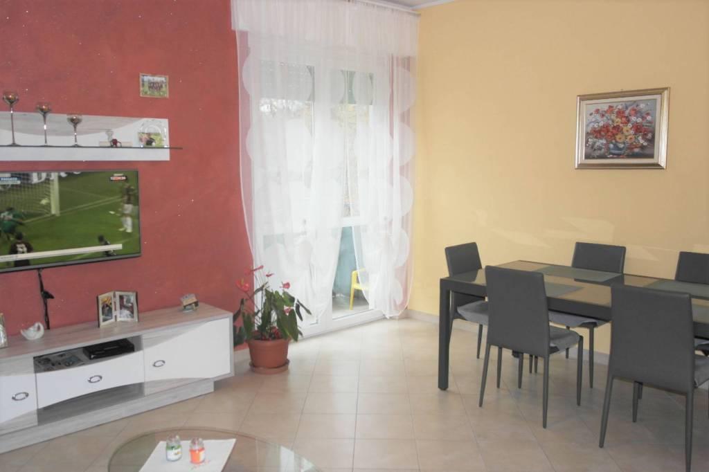 Appartamento in ottime condizioni in vendita Rif. 8489750