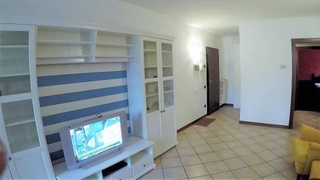 Appartamento in ottime condizioni arredato in affitto Rif. 5821251