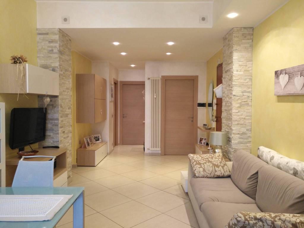 Appartamento in ottime condizioni in vendita Rif. 8508488