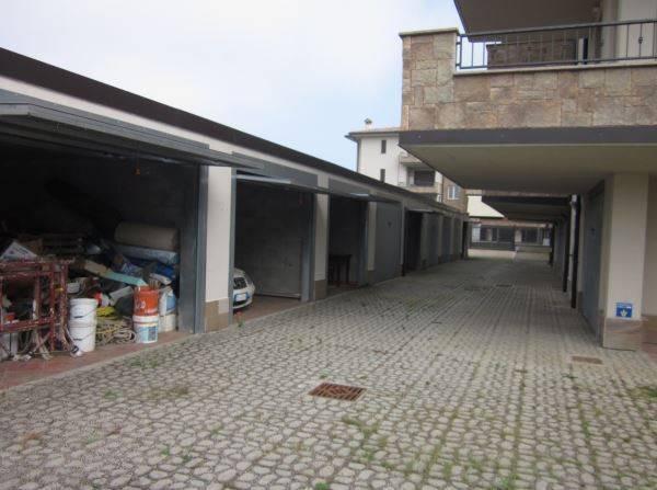 Appartamento in buone condizioni in vendita Rif. 8640960