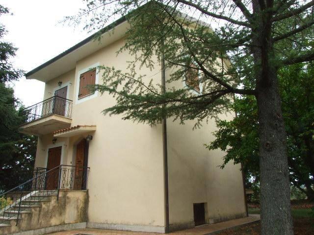Villa in buone condizioni in vendita Rif. 8489502