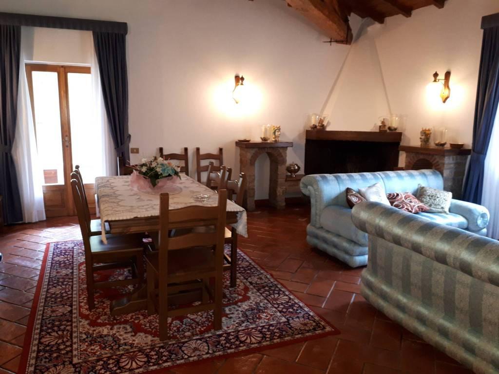 Villa trilocale in affitto a Rocca di Botte (AQ)