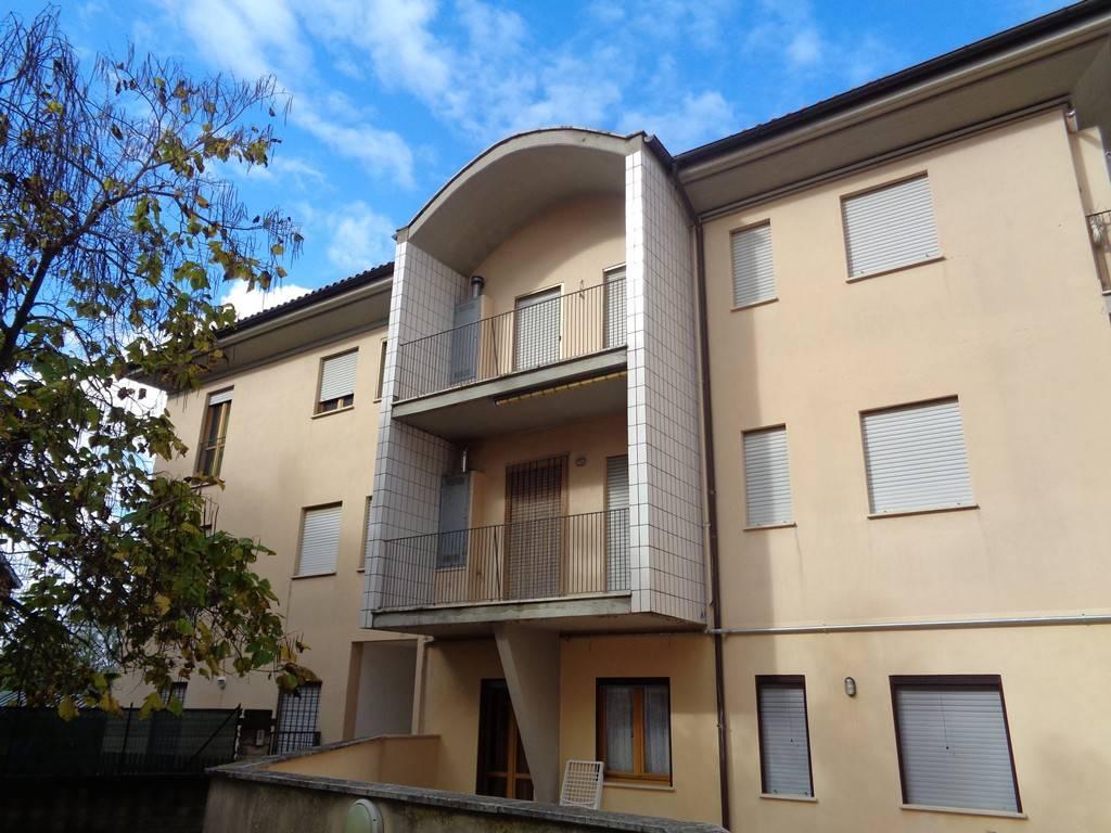 Appartamento in buone condizioni in vendita Rif. 8489999