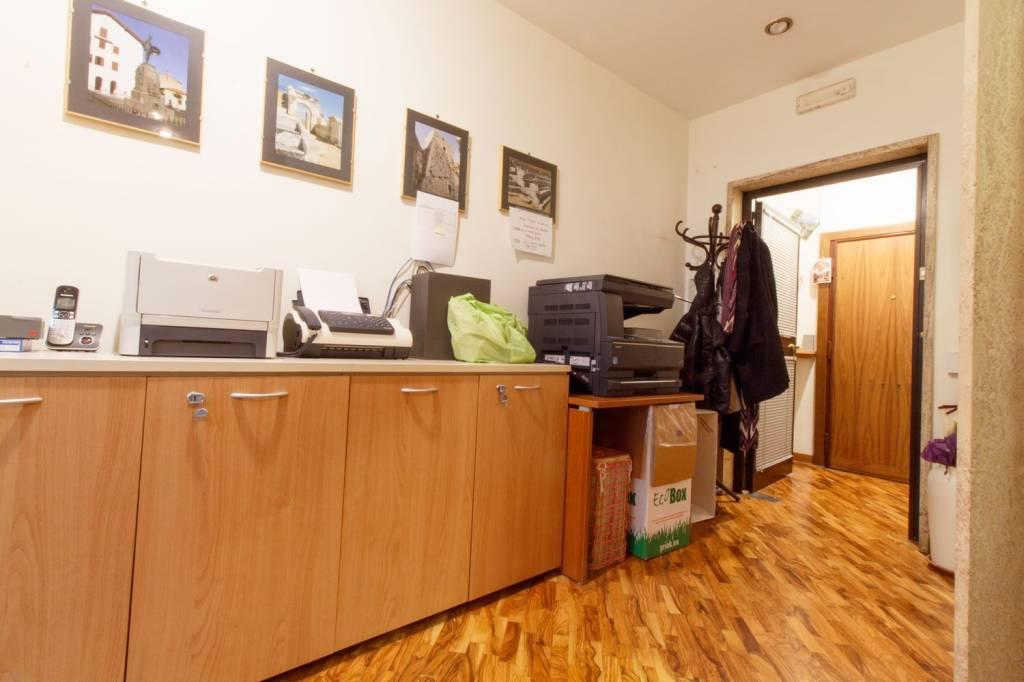 Ufficio / Studio in vendita a Roma, 3 locali, zona Zona: 30 . Prati, Borgo, San Pietro, prezzo € 440.000 | CambioCasa.it
