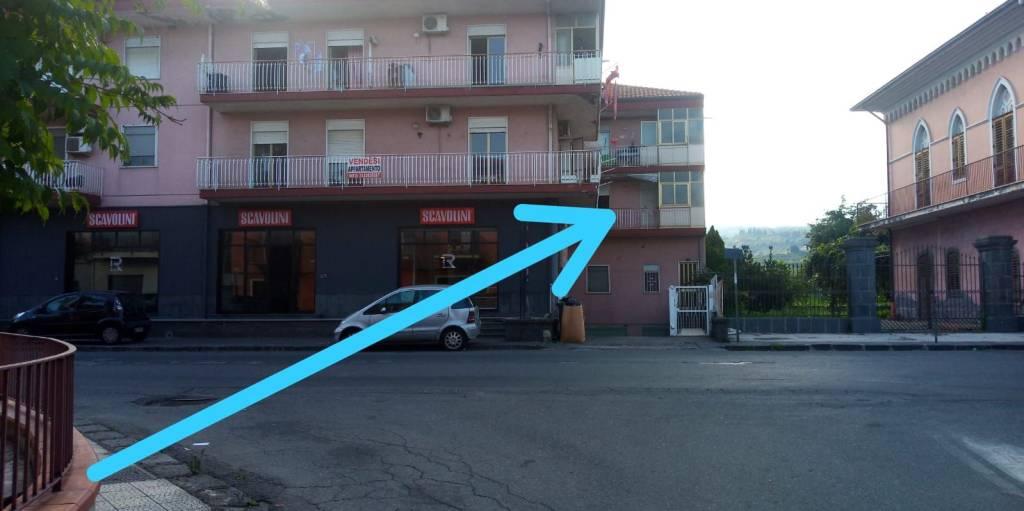 Fiumefreddo di Sicilia appartamento con garage