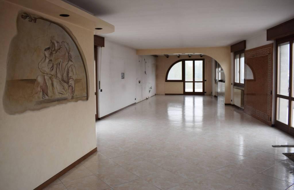 Attico / Mansarda in vendita a Nembro, 5 locali, prezzo € 115.000 | PortaleAgenzieImmobiliari.it