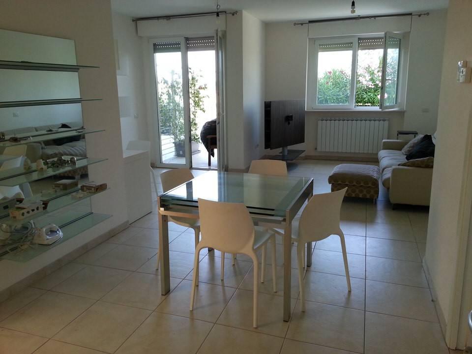 Appartamento in ottime condizioni parzialmente arredato in affitto Rif. 8489955
