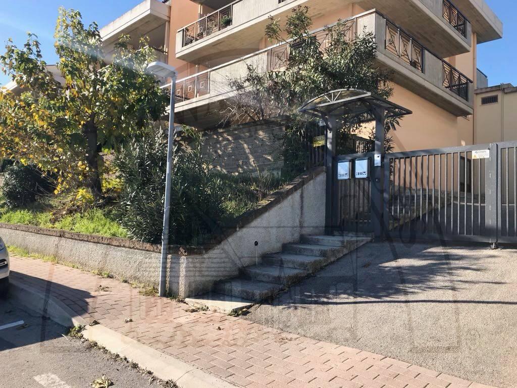 Appartamento in buone condizioni in vendita Rif. 6059466