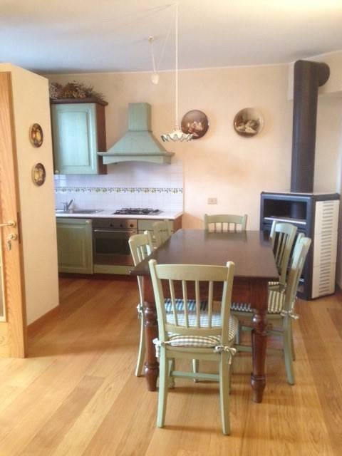 Appartamento in buone condizioni arredato in affitto Rif. 8492303