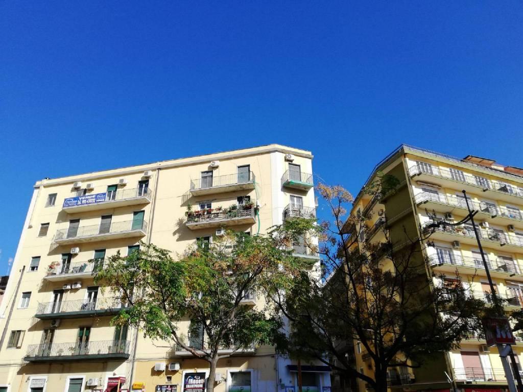 Appartamento in Vendita a Catania Centro: 4 locali, 150 mq