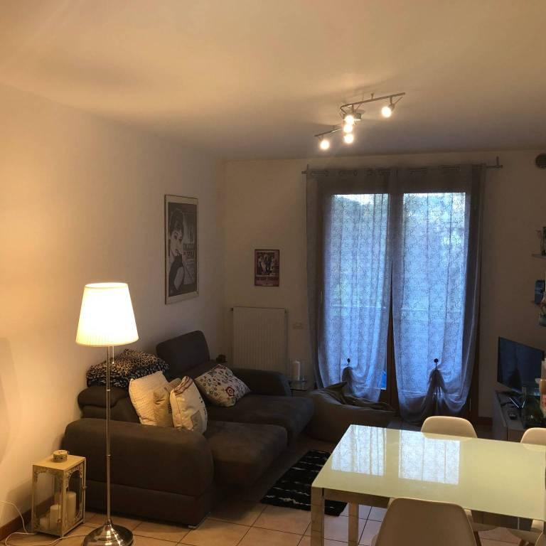 Appartamento in ottime condizioni parzialmente arredato in vendita Rif. 8509858