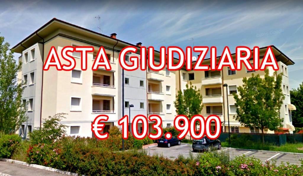 Appartamento in buone condizioni in vendita Rif. 8491594