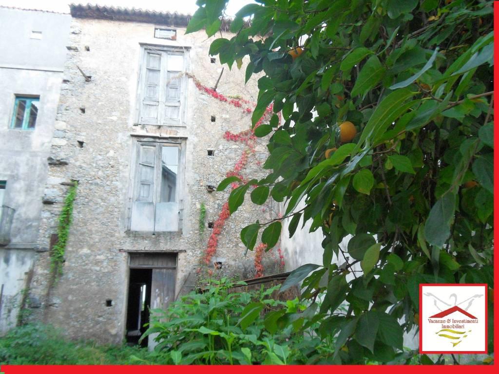 Soluzione Indipendente in vendita a Trecchina, 5 locali, prezzo € 62.000 | PortaleAgenzieImmobiliari.it