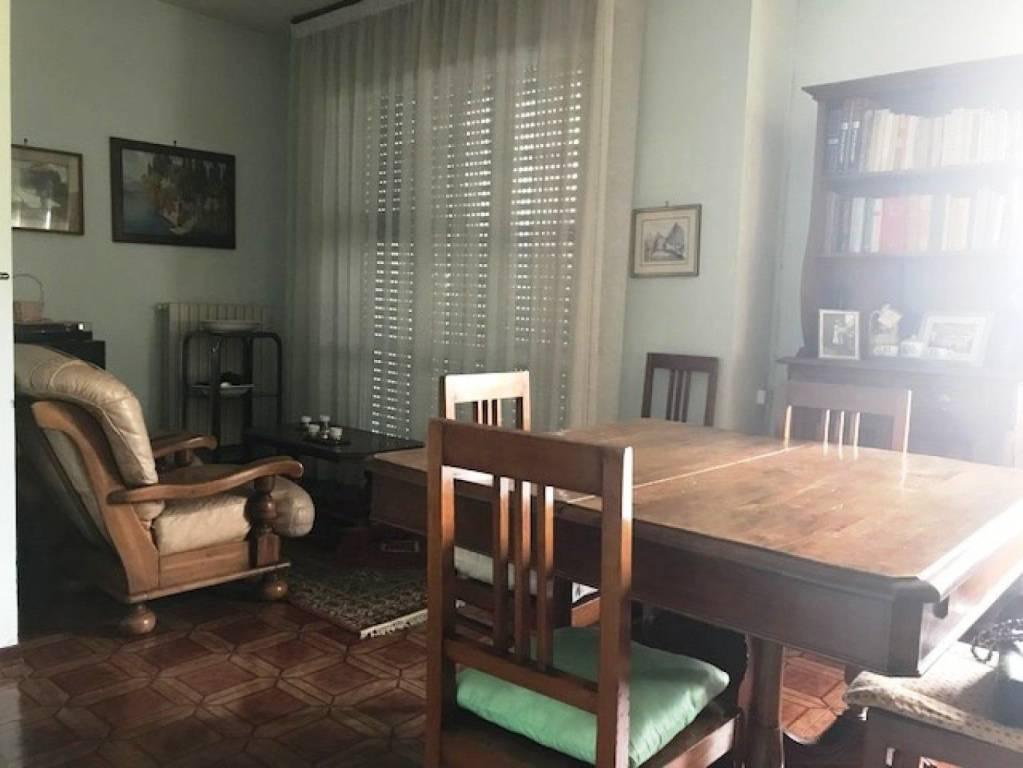 Appartamento in buone condizioni in vendita Rif. 8508074