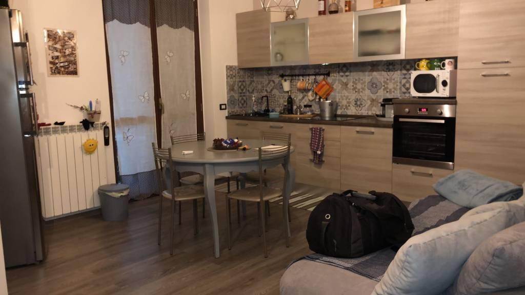 Appartamento in ottime condizioni parzialmente arredato in affitto Rif. 8505484