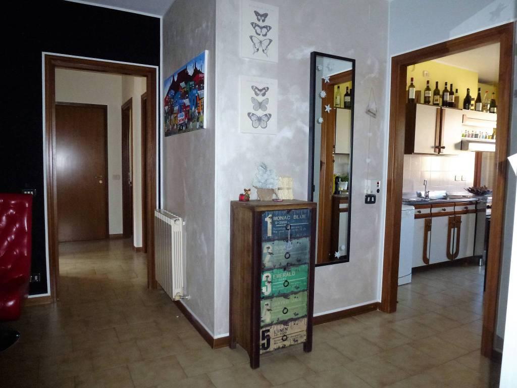Appartamento in buone condizioni arredato in vendita Rif. 8506866
