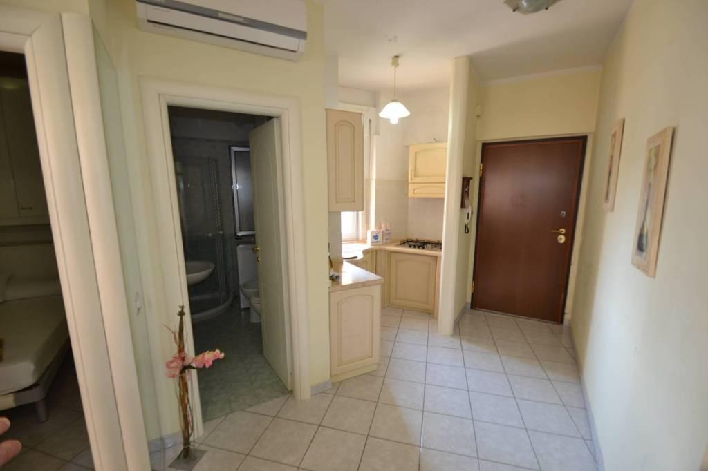 Appartamento in ottime condizioni arredato in affitto Rif. 8503246