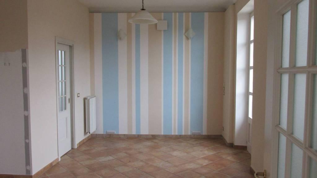 Appartamento in ottime condizioni in affitto Rif. 8507254