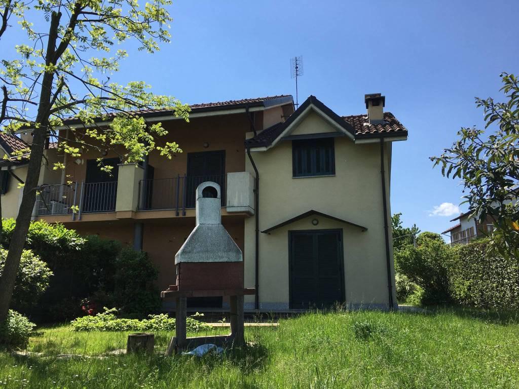 Villa in affitto a Chieri, 6 locali, prezzo € 980 | CambioCasa.it