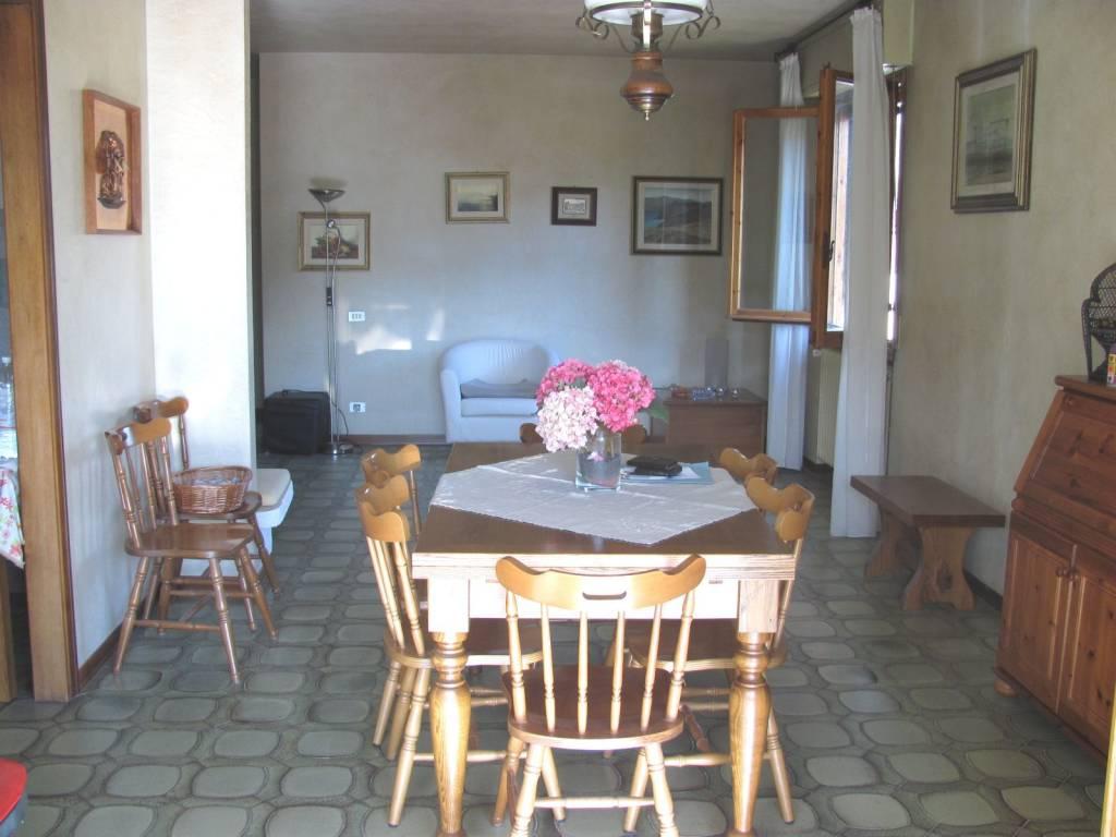 Appartamento 6 vani con lastrico solare a Rufina