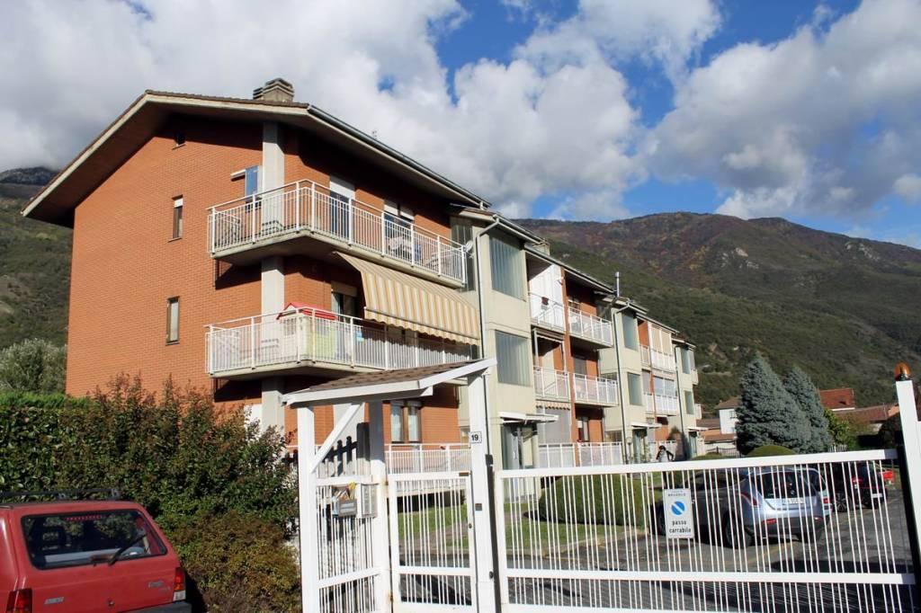 Appartamento in buone condizioni parzialmente arredato in vendita Rif. 8505260