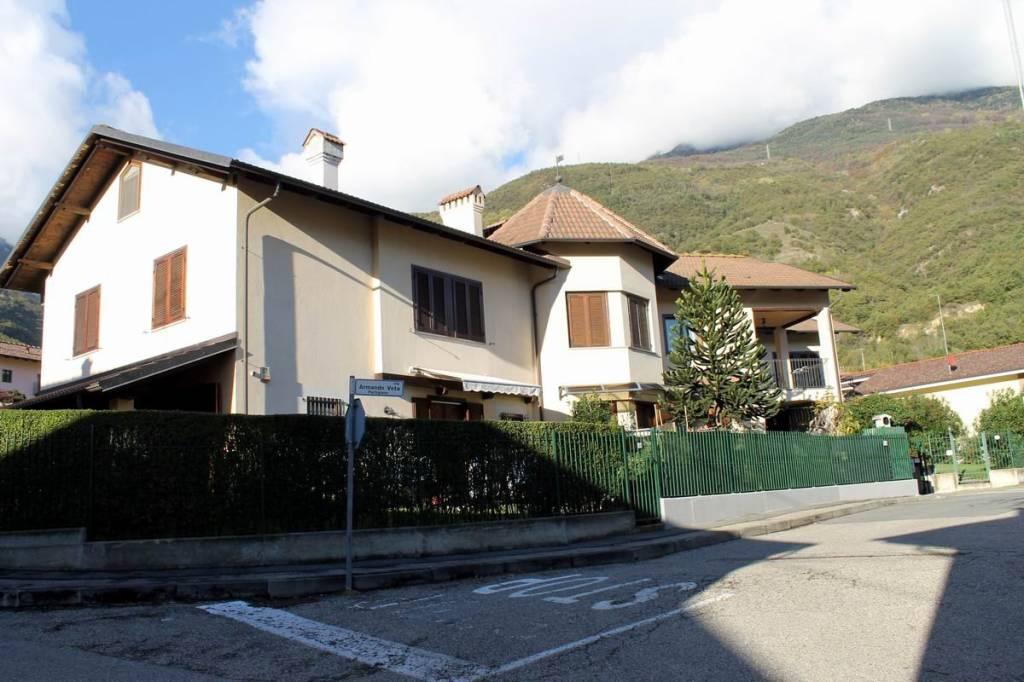 Appartamento in ottime condizioni in vendita Rif. 8505261