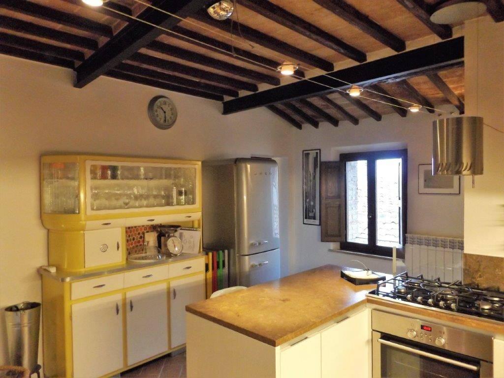 Appartamento in ottime condizioni in vendita Rif. 8504458