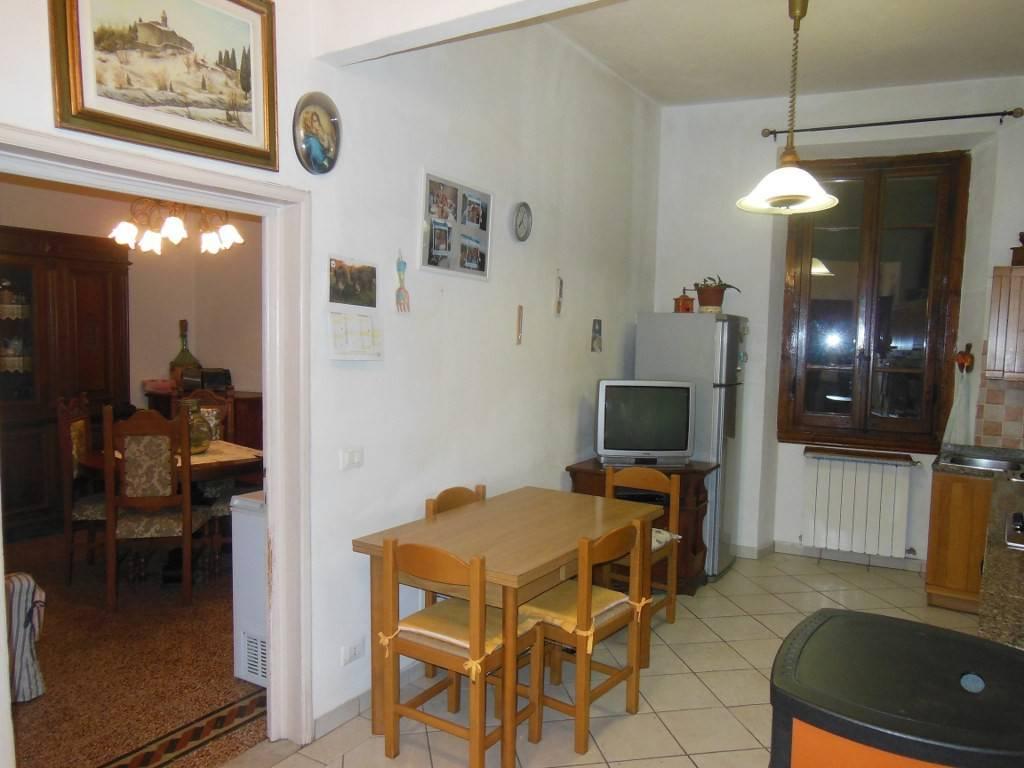 Appartamento in buone condizioni in vendita Rif. 8506754