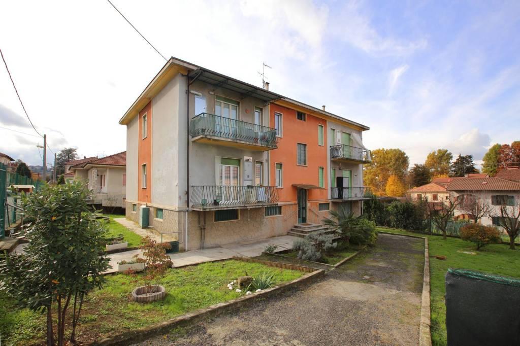 Appartamento in buone condizioni in affitto Rif. 6971936